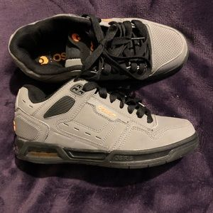 Men's Osiris skate shoes